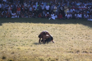 The final match of the festival. This is an example of a wrestler going into the pants of an opponent for a better grip, it was also when it seemed the defending campion could lose
